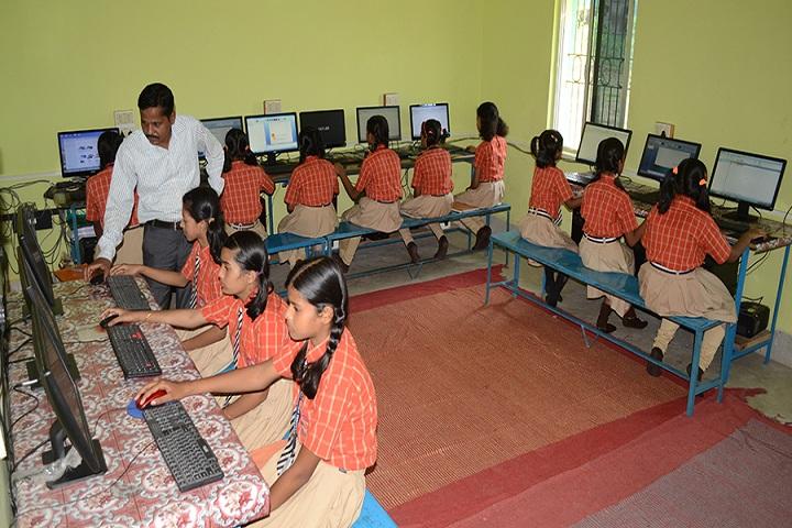 Chandrasekhar English Medium School-IT-Lab