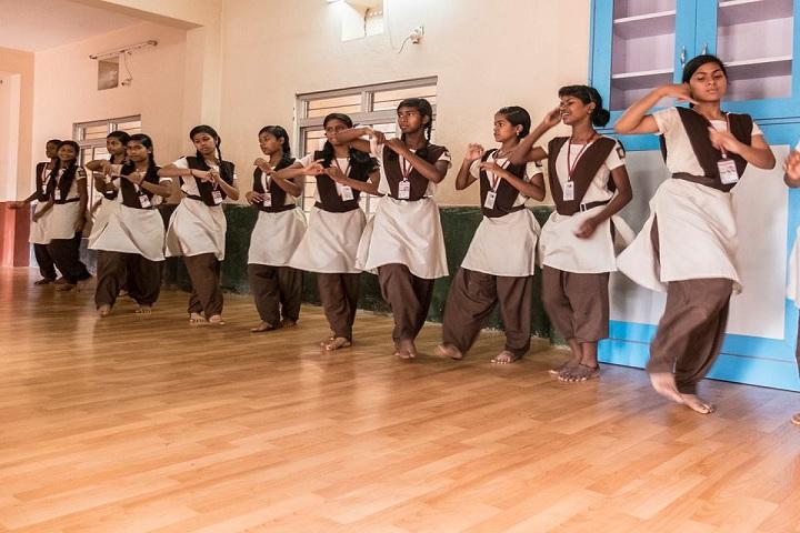 Hariharananda Balashram-Dance Room