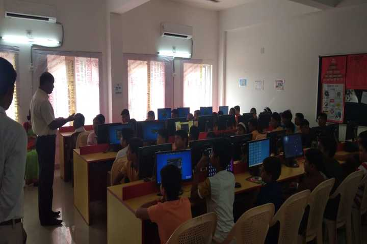 Krishnamurty World School-Computer-Lab