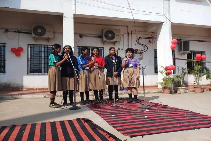 Krishnamurty World School-Singing