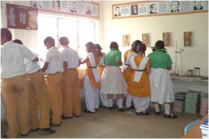 Maharishi Vidya Mandir-Science Lab