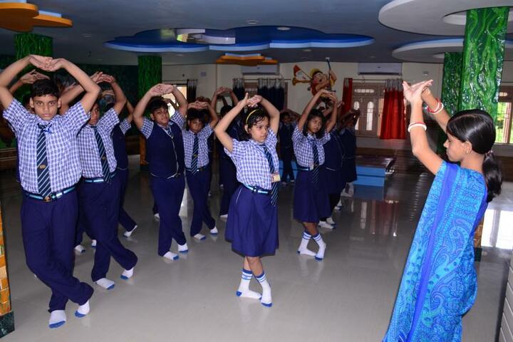 Nri International School-Dance