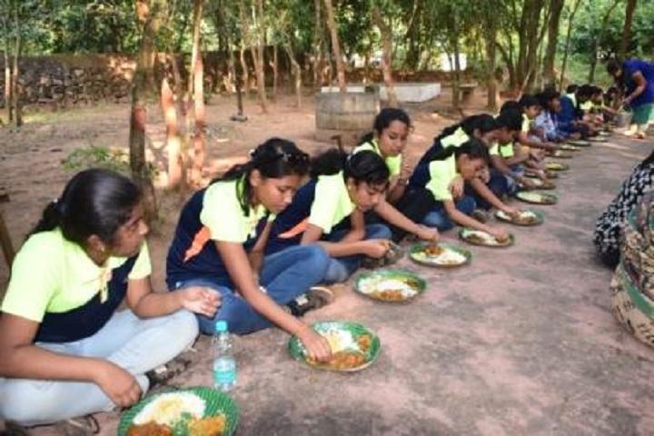 Prabhushree English Medium School- Students Lunch
