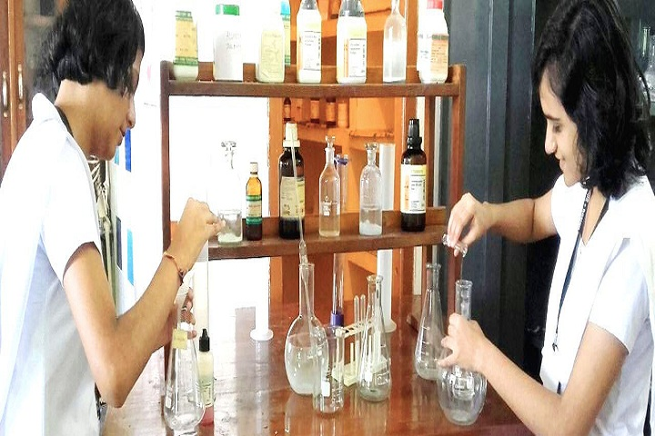 Roshni PublicSchool-Chemsitry lab