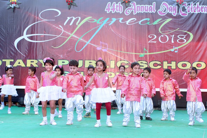 Rotary Public School-Group dances