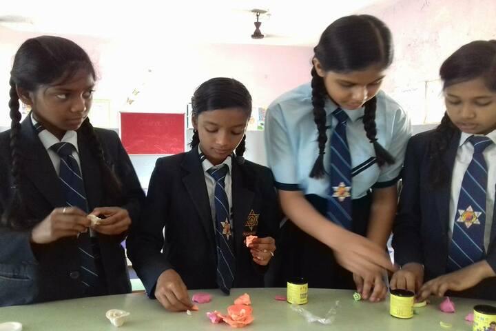 Sai Valley World School-Art and Craft
