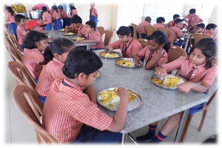 Shrikrishna International School food facility