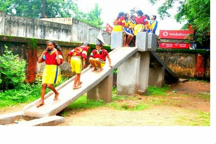 South Eastern Railway Miixed High School-Play Area