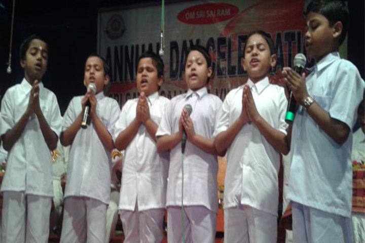 Sri Sathya Sai Vidya Vihar English Medium School-Group Song
