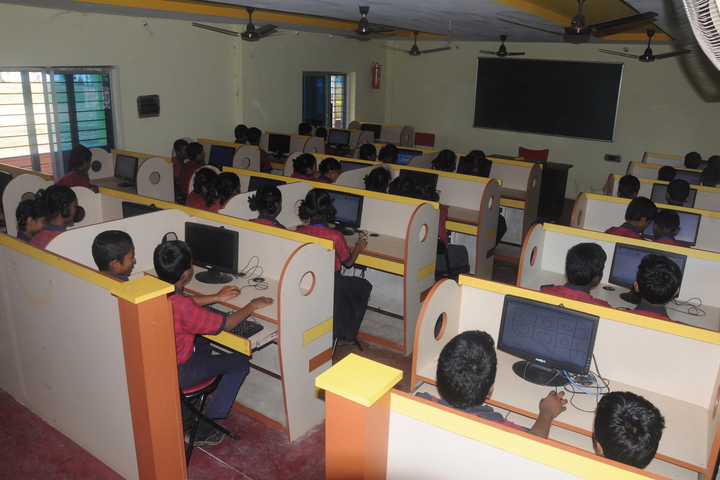 Akshara The School-Computer Lab