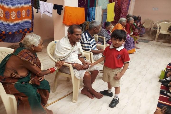 Vedic International School-Old Age Home Visiting