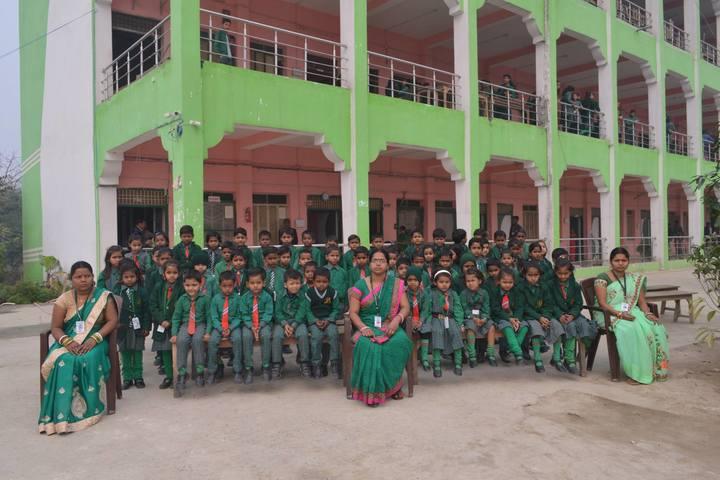 Gurukul Senior Secondary School-Group Photo