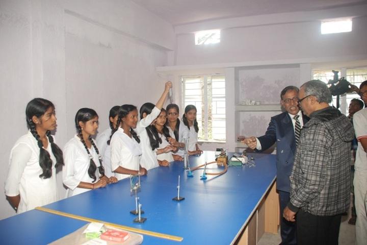 Gurukul Vidyapeeth-Physics Lab