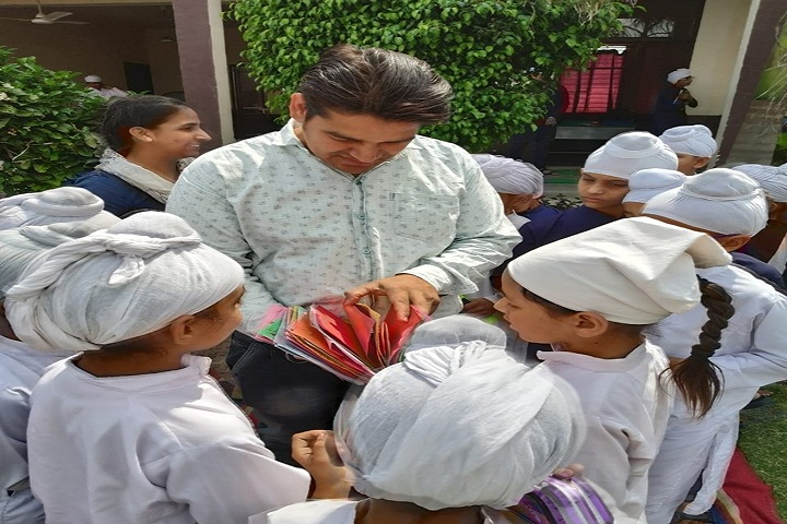 Akal Academy-Art And Craft Presentation
