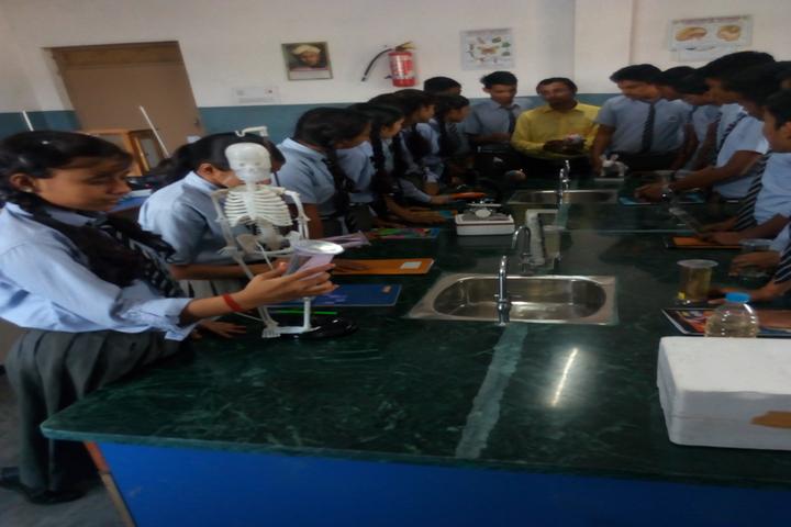 Gyan Bharti Global School-Biology Lab