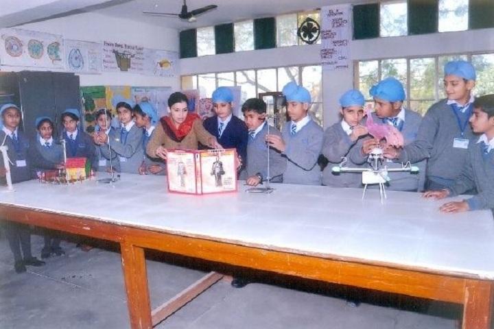 Amarpuri Senior Secondary Public School-Physics Lab