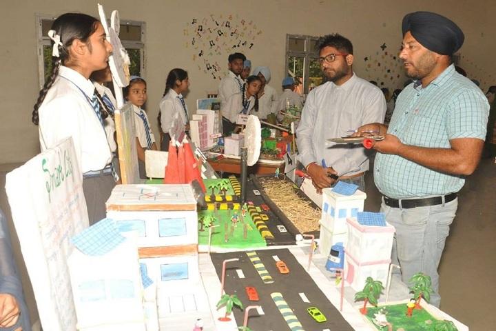 Amarpuri Senior Secondary Public School-School Exhibition