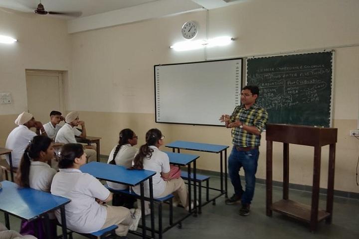 Ashok Vatika Public School-Classroom with teacher