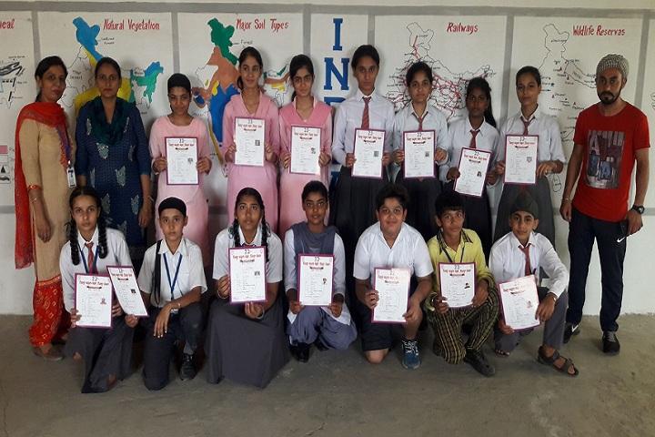 Auckland Grammar Senior Secondary School-Childrens with Certificates