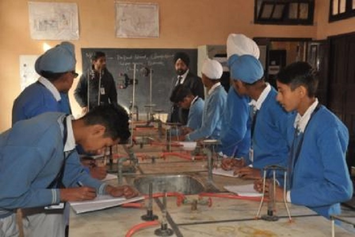 AVM Senior Secondary School-Chemistry Lab