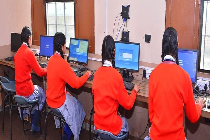 BCS International School-IT Lab