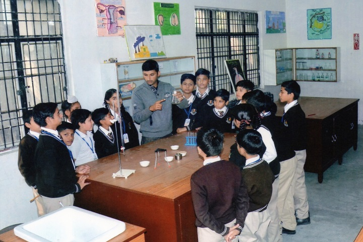 BSMSD Rajput Public School-Science lab
