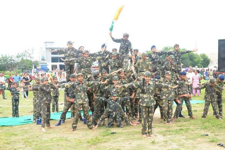 Baba Aapo Aap Guru Nanak Public School-Events independance day