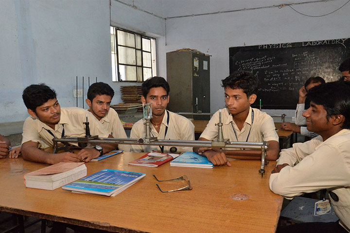 Gyan Niketan-Music Physics Lab