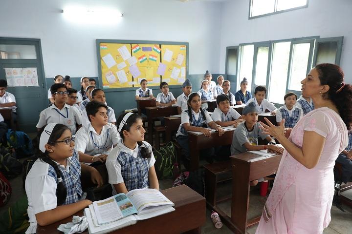 BCM Arya Model Senior Secondary School- Classroom View