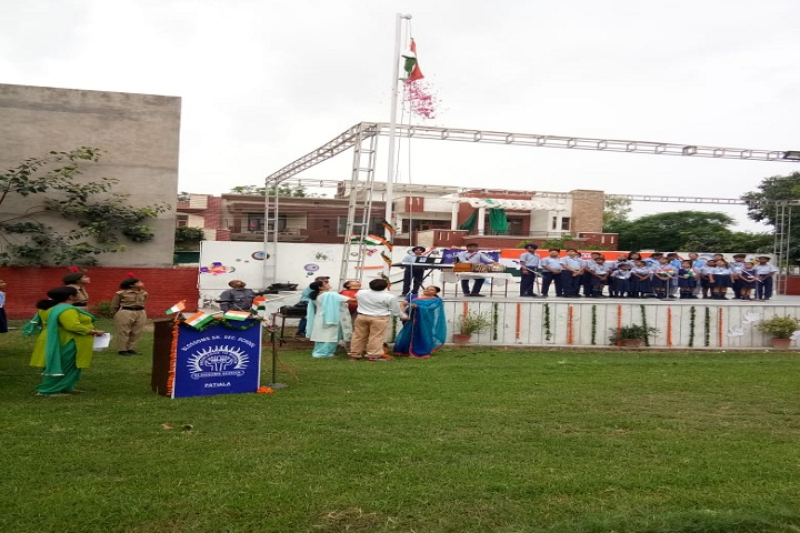 Blossoms Senior Secondary School-Independence Day Celebrations