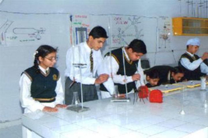 Buds Senior School-Lab