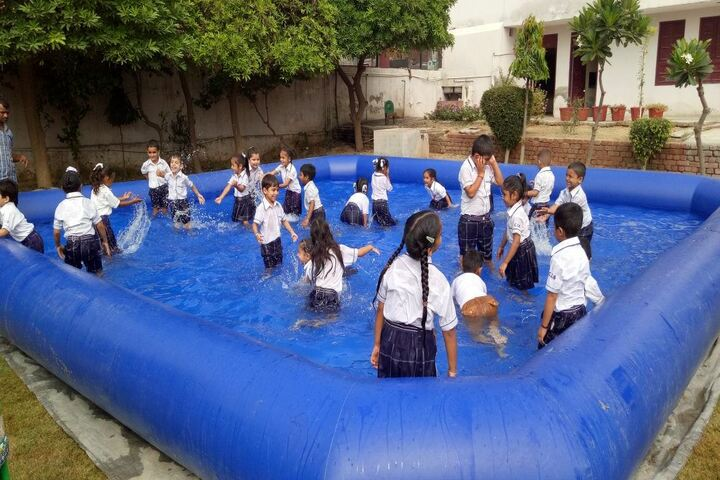 Cambridge International School-Swimming Pool
