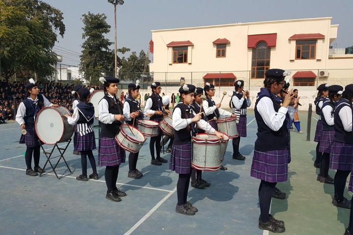 Cambridge International School For Girls- Republic day