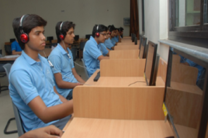 Career Point Gurukul-Language Lab