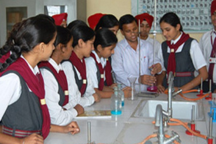 Dashmesh Parivar International School-Chemistry Lab