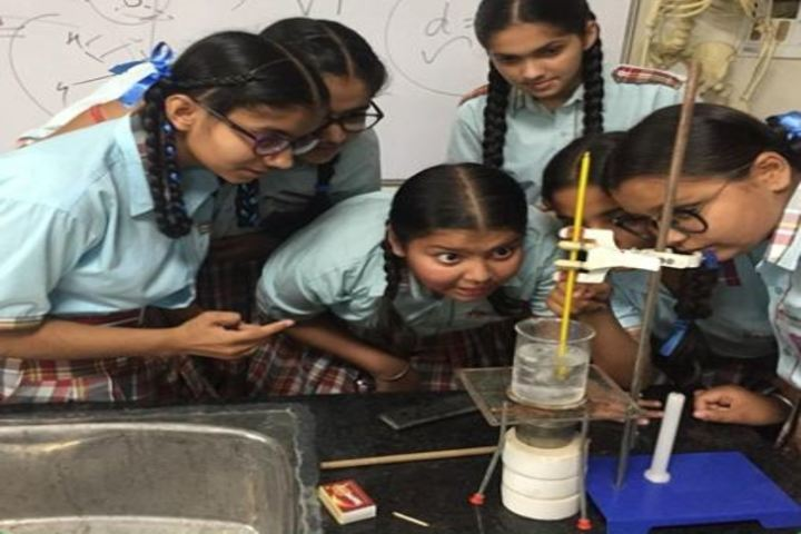 Dass And Brown World School-Chemistry Lab