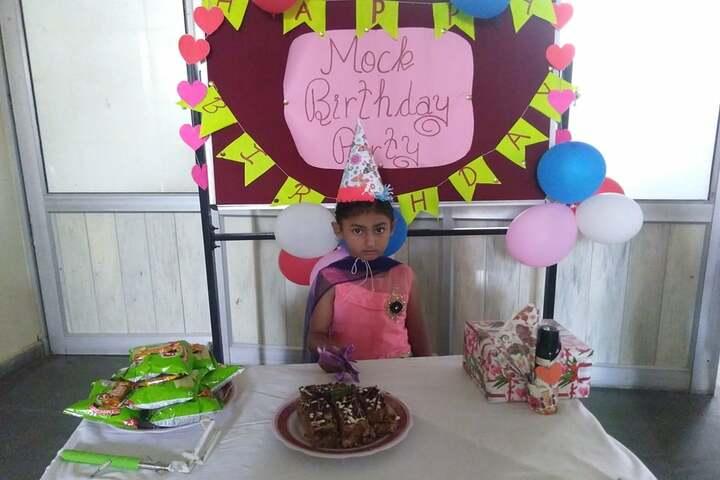 Data Bandhi Chhod Public School-Birthday Celebrations