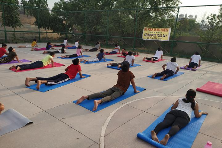 Dav Public Senior Secondary School-Yoga