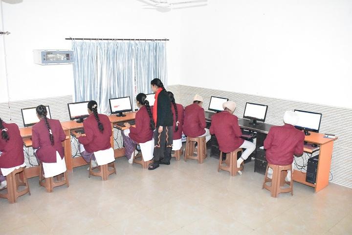 Dav Public School-Computer Lab