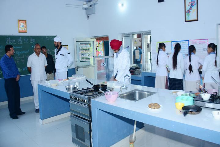 Dav Public Senior Secondary School-Cooking room