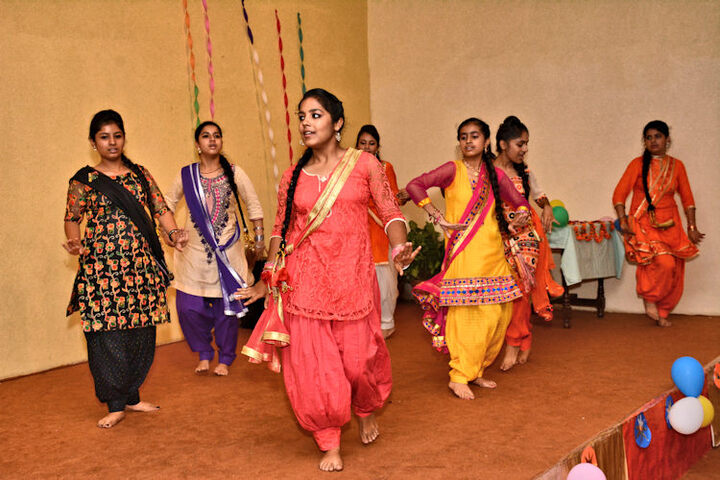 Dayanand Model School-Dance