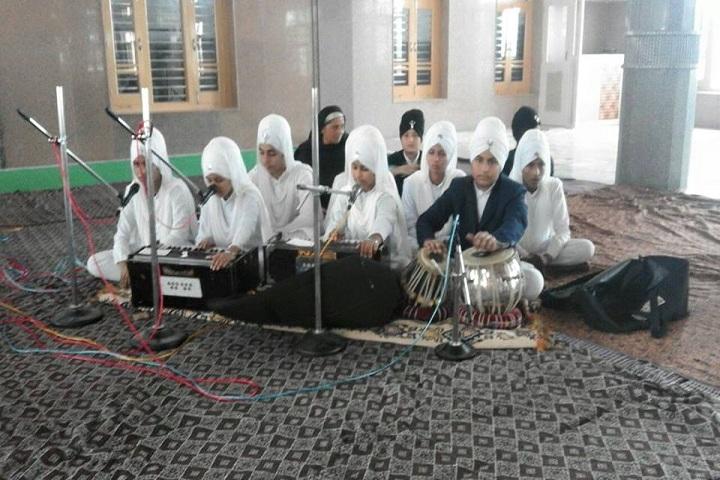 Deewan Toddar Mall Public School-Music room