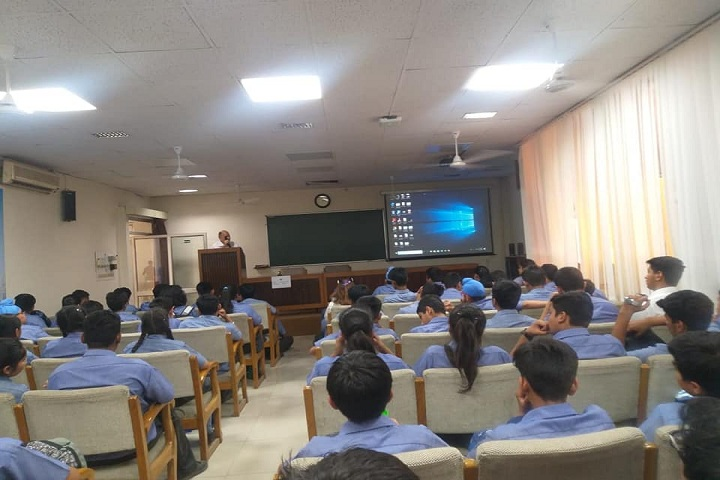 Dikshant Global School-Seminar