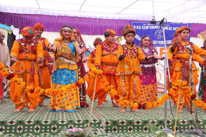 Dr Daulat Ram Bhalla Dav Centenary Public School-Festival Celebration