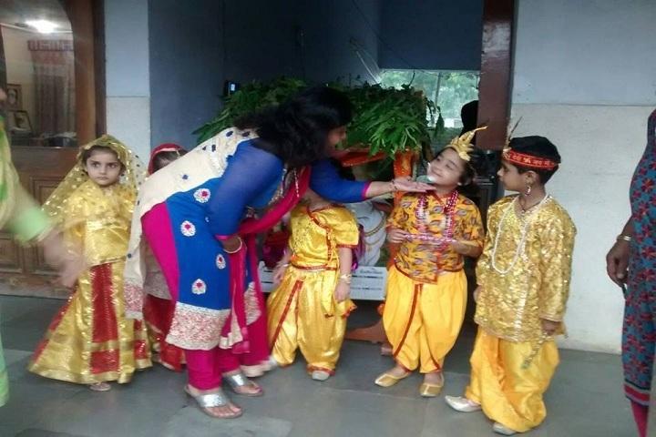 Dr MCM DAV Public School-Festival Celebration