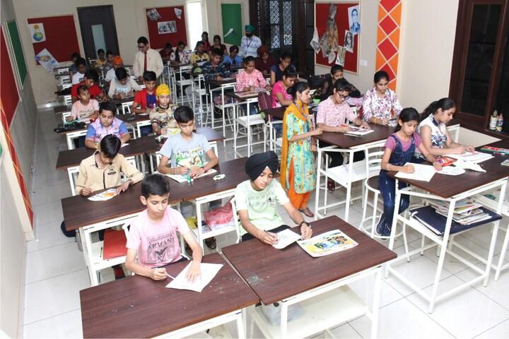 Dr Saif-Ud-Din Kitchlu Memorial Public School-Art room