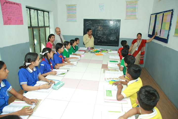 Everest Public Senior Secondary School-Maths Lab