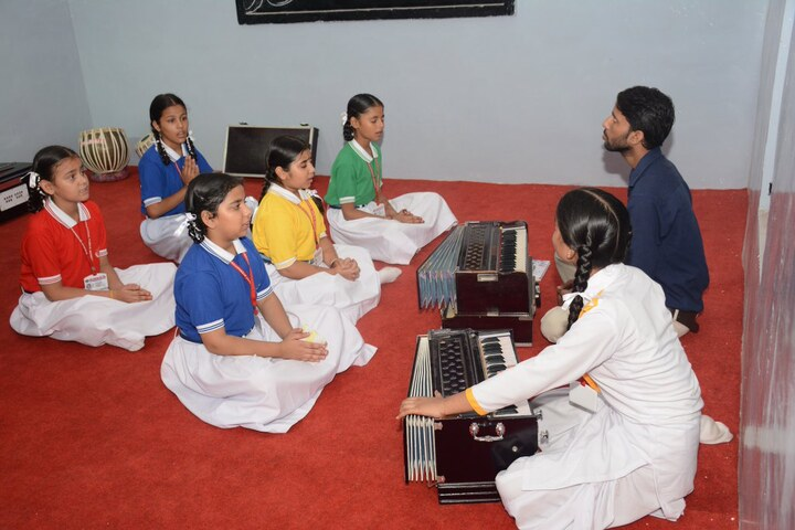 Everest Public Senior Secondary School-Music Room