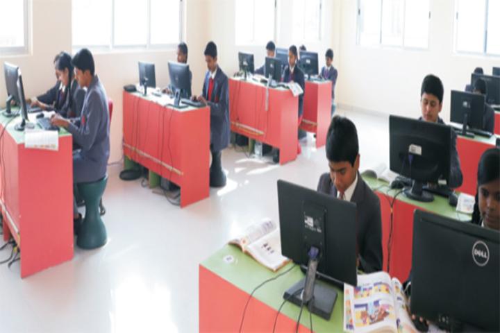 Holy Cross International School- Computer Lab