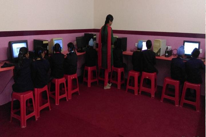 G S PublicSenior Secondary School-IT Lab
